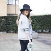 Lou Hay, blogger