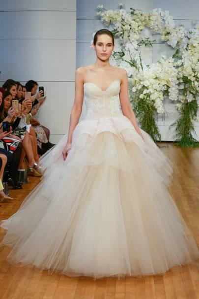 2018 Louis Vuitton Wedding Dress