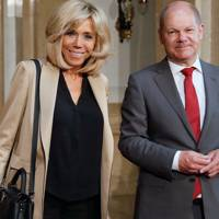 A Healthy Appetite For Louis Vuitton Capucines