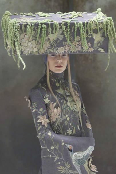Alexander McQueen spring/summer 2001 - Voss