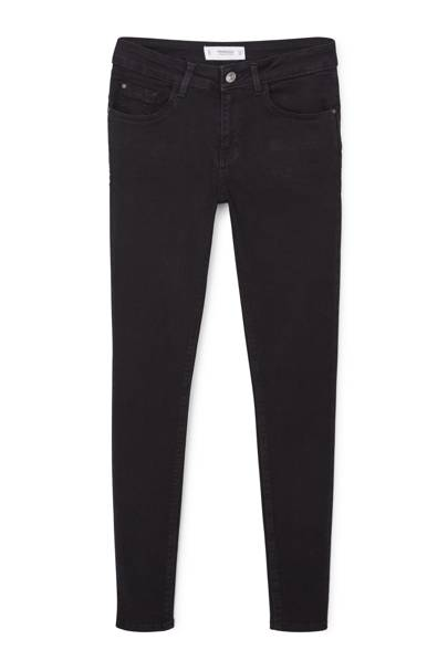 The Black Skinny Jeans