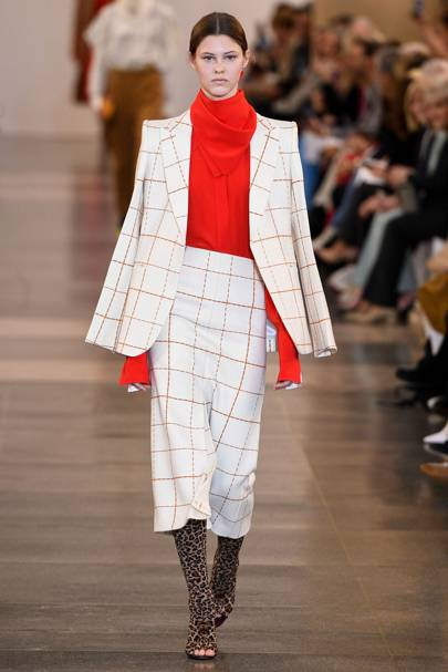 e9681f071 Victoria Beckham Autumn/Winter 2019 Ready-To-Wear show report ...