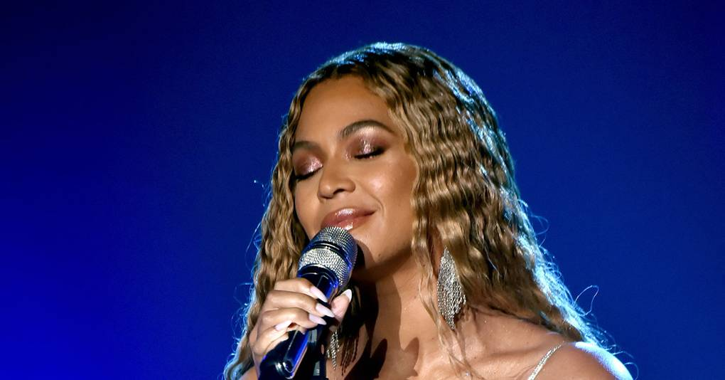 7 Tips For A Perfect Base From Beyoncé's Make-Up Artist, Sir John