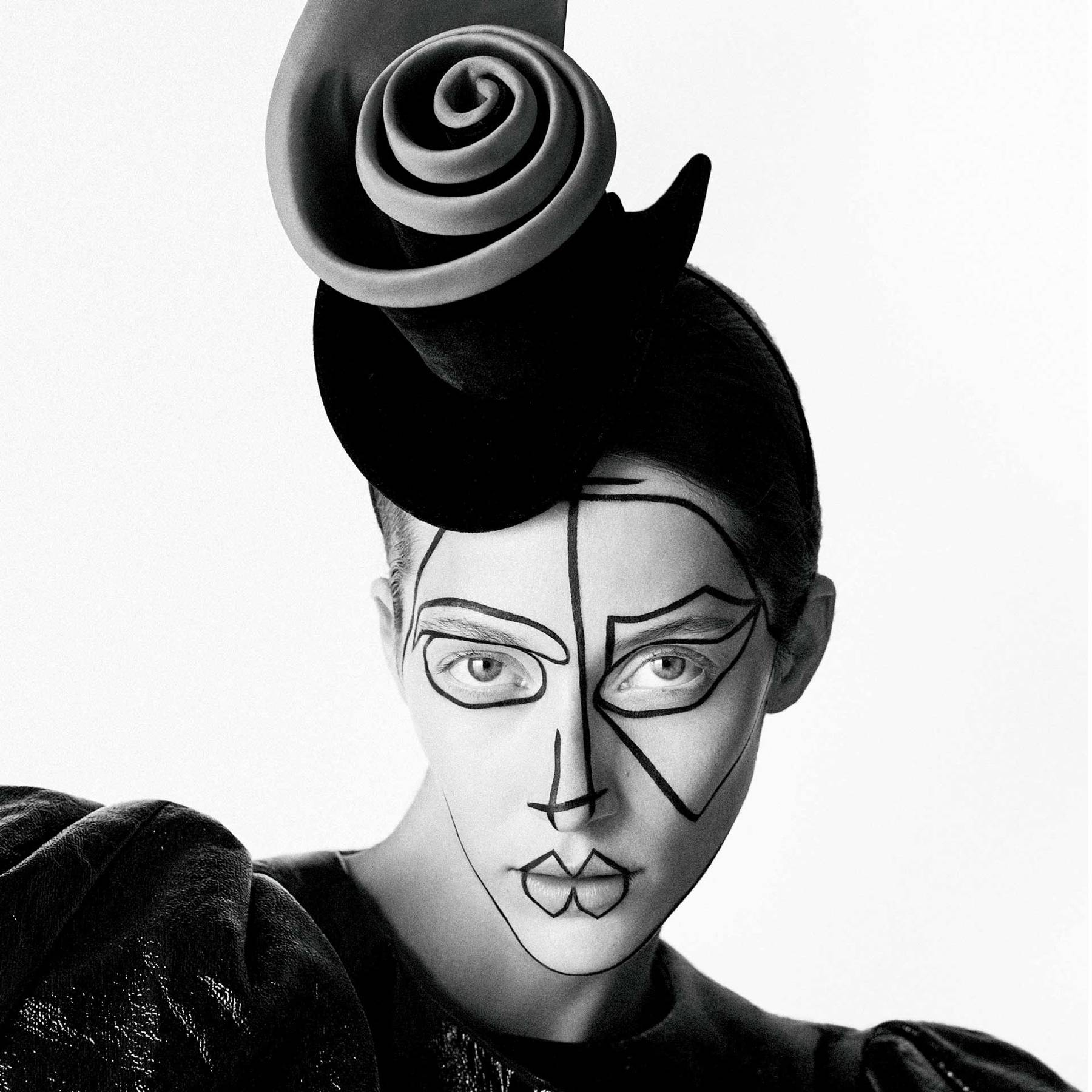 Stephen Jones gives Suzy Menkes hats for the Twelve Days of ... 074b98eb533