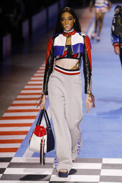 8bd076e5 Tommy Hilfiger Spring/Summer 2018 Ready-To-Wear show report ...