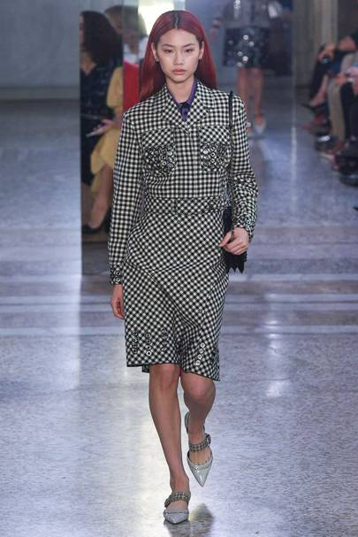 682f413f8cf8 Bottega Veneta Spring Summer 2018 Ready-To-Wear show report ...