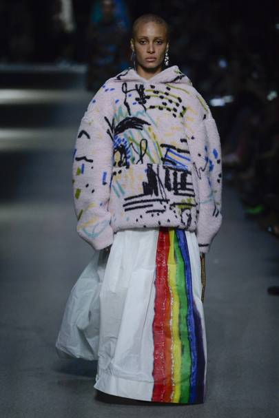 Burberry Spring Summer 2018 Ready-To-Wear show report  bda148c3d6