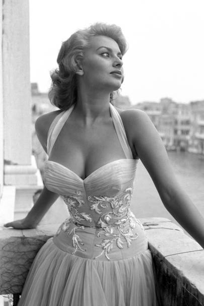 sophia loren vintage photos a masterclass in style british vogue