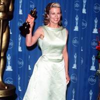 1998: Best Supporting Actress