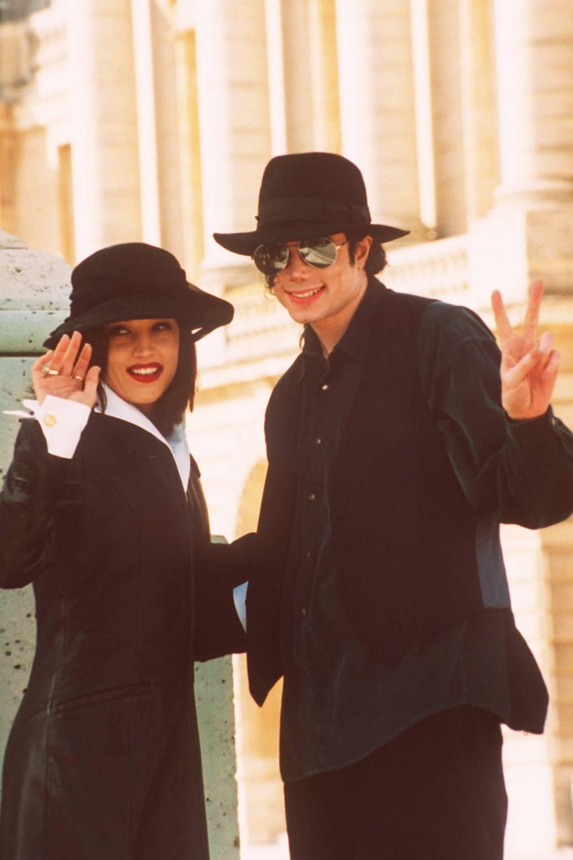 30d22851500b9 Michael Jackson Fashion