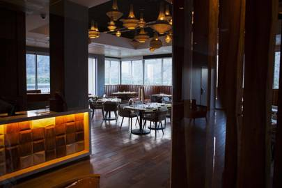 The Rooftop Restaurant: Rowan Hotel