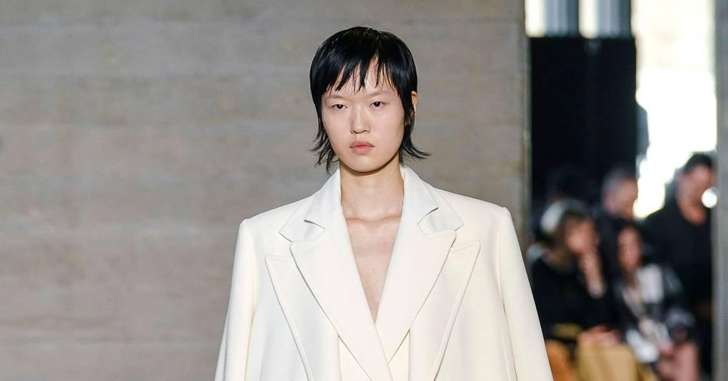bbf4966257 Roland Mouret Autumn/Winter 2019 Ready-To-Wear show report | British Vogue