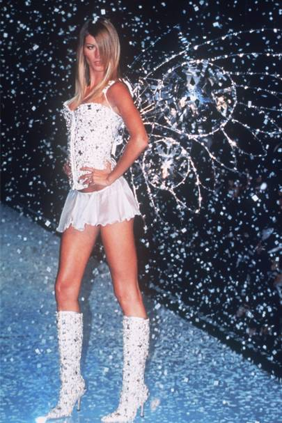 2001 - Victoria's Secret