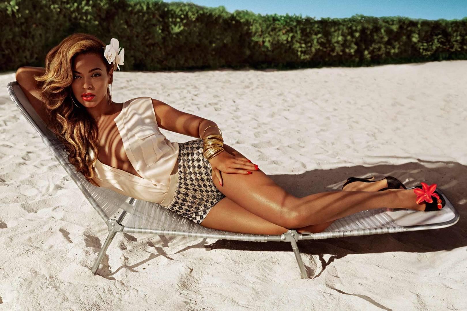 Watch Beyoncé For HM Swimwear 2013 Campaign video