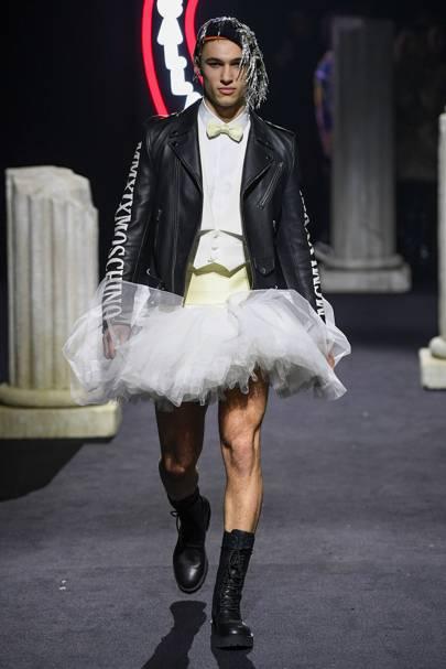 5e20dd556 Moschino Autumn/Winter 2019 Menswear show report | British Vogue