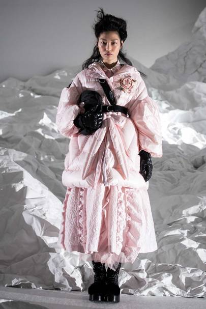Simone Rocha put historical attitude into puffer clothes worn with accessories for Moncler Autumn/Winter 2018