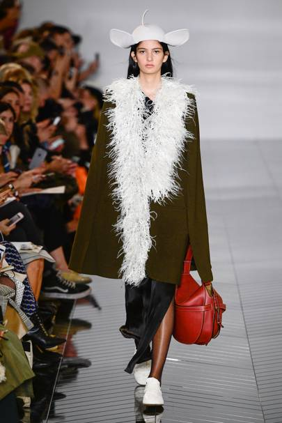 2b1c3f4a580 Loewe Autumn Winter 2019 Ready-To-Wear show report