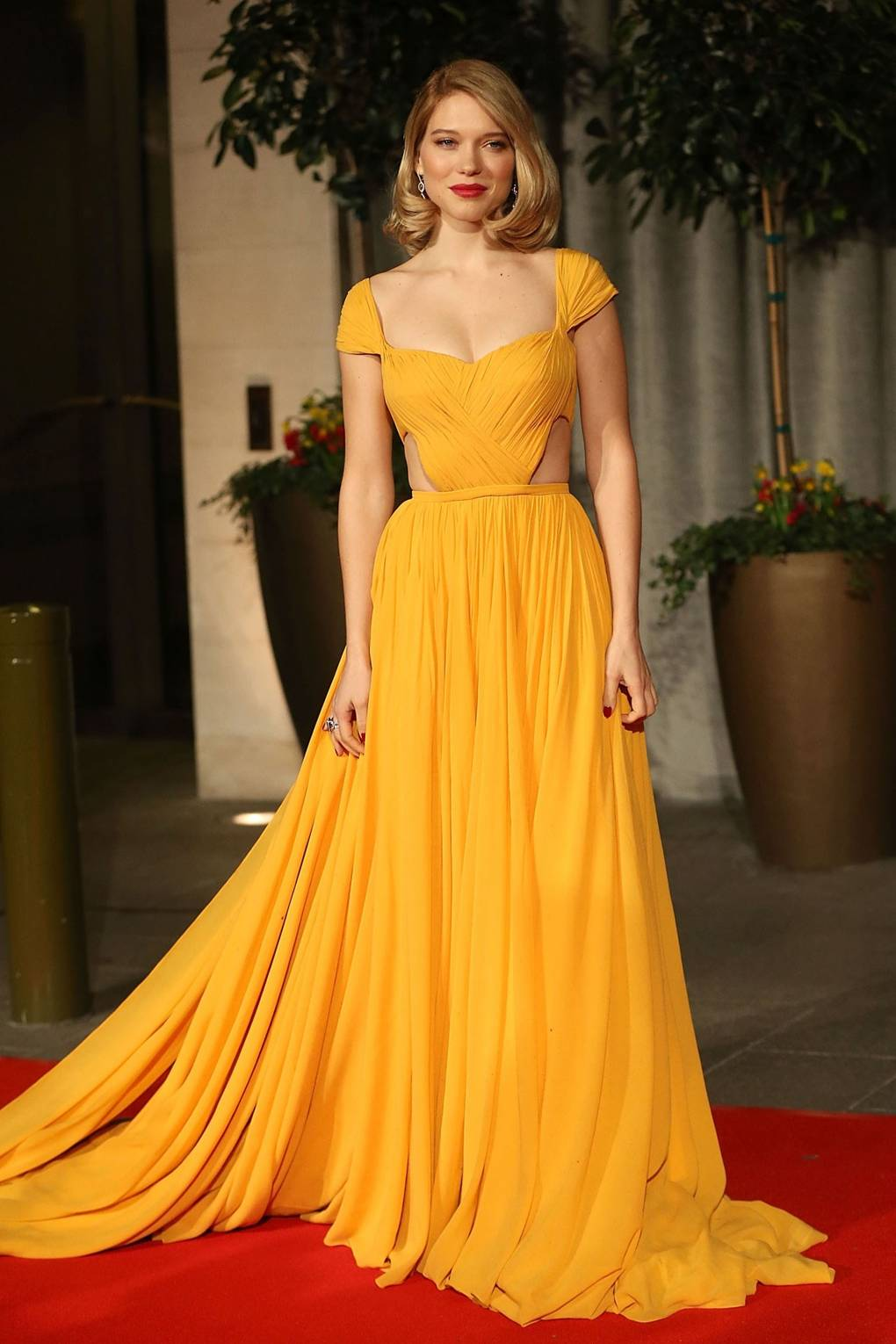 Red Carpet Dressing  Yellow Dresses Trend  46f3a6955