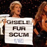 2002 - Victoria's Secret