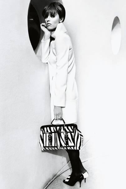 Eva Herzigova - Vogue November 2003