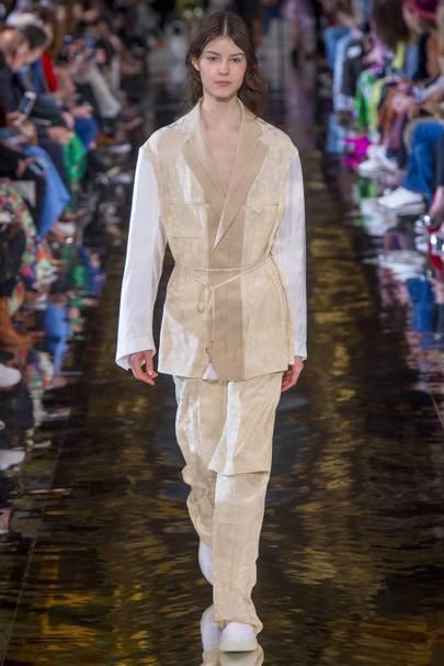 0fb2eec68a70 Stella McCartney Autumn Winter 2018 Ready-To-Wear show report ...