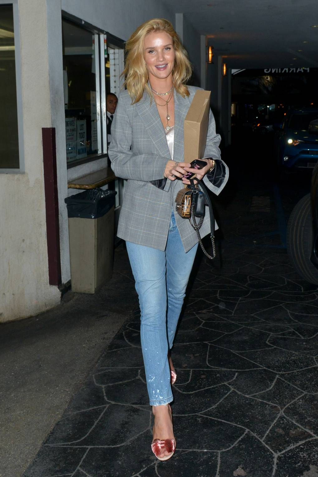 Forum on this topic: This Is What Rosie Huntington-Whiteley Wears on , this-is-what-rosie-huntington-whiteley-wears-on/