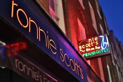La Cabina Haggerston : London night tube: a vogue guide to late night london british vogue