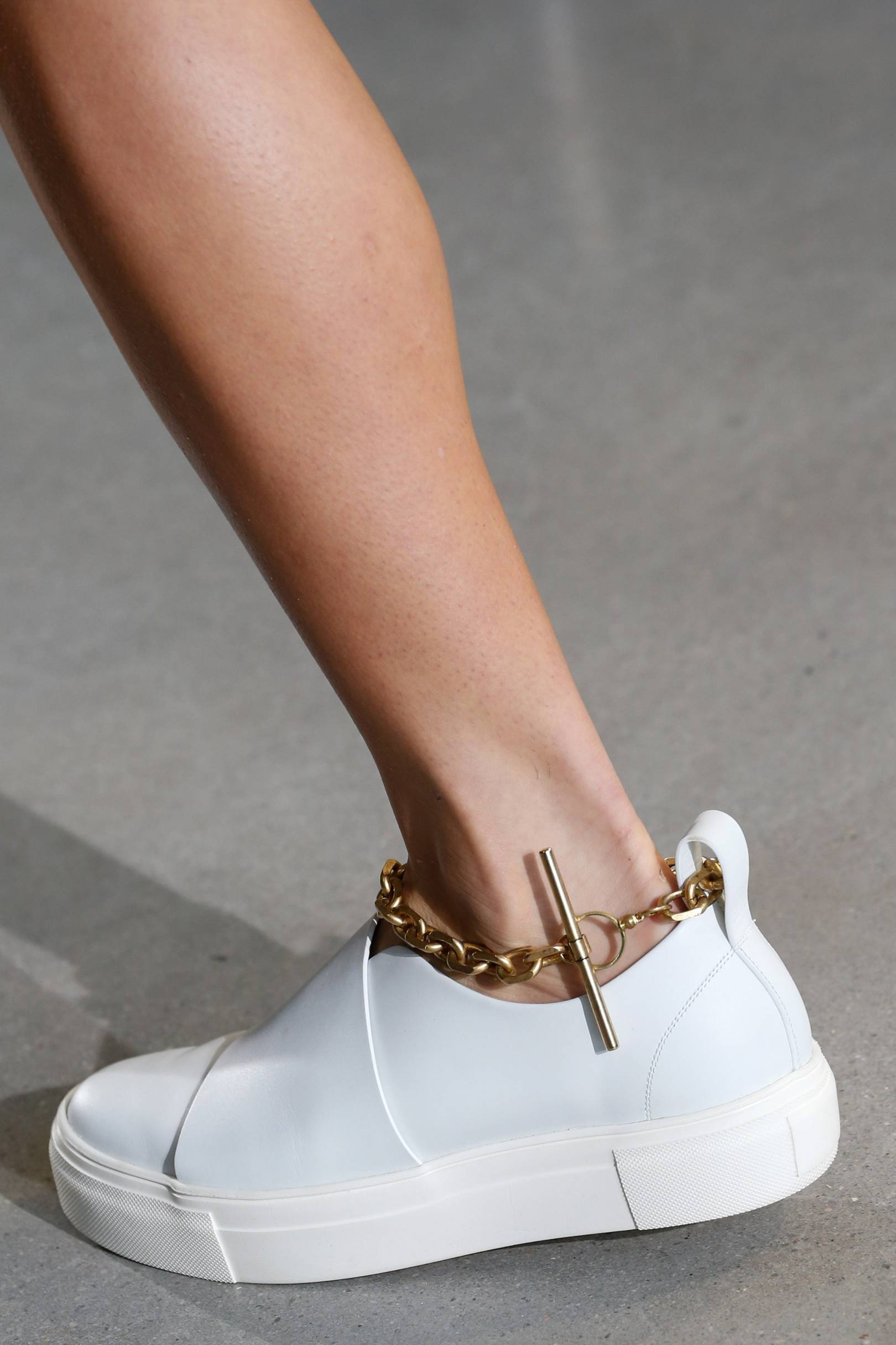 Spring Summer Trends 2016 Wardrobe Updates What To Wear Now Flash  Olivia Sneakers Ivory 38 British Vogue