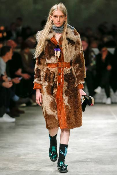 100 coats you will definitely want from the AW18 catwalks
