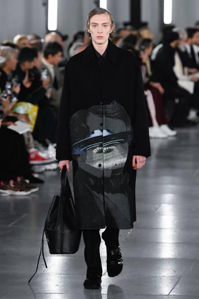 043221b70411 Valentino Autumn Winter 2019 Menswear show report