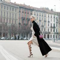The look-at-me knee boot