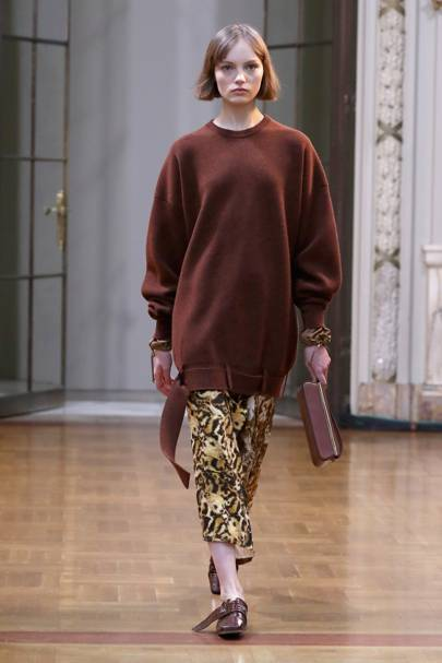 Victoria Beckham Autumn Winter 2018 Ready-To-Wear show report ... 10c0dcf183