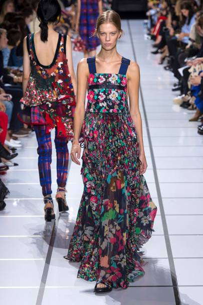 7a0d19ac9578 Dolce   Gabbana Spring Summer 2018 Ready-To-Wear show report ...