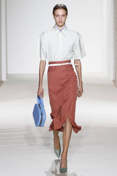 60318ee2074764 Victoria Beckham Spring Summer 2018 Ready-To-Wear show report ...