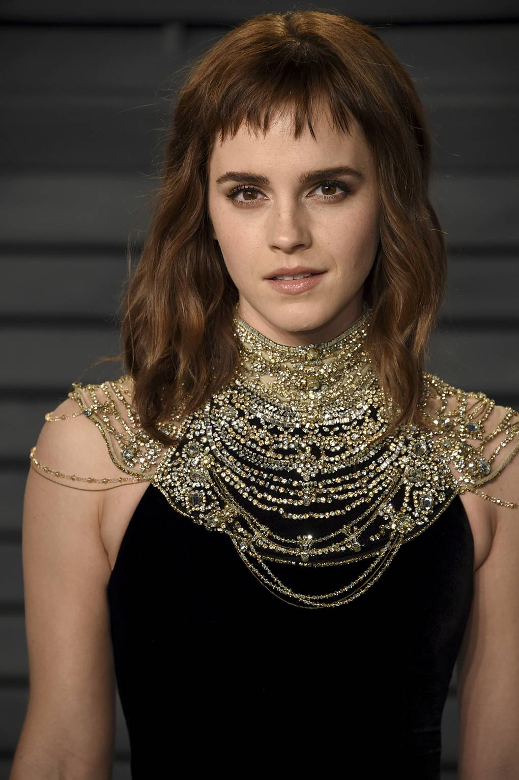 emma watson hair & haircuts – bob, pixie crop, up-dos | british vogue