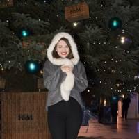 Estee Lalande, beauty blogger