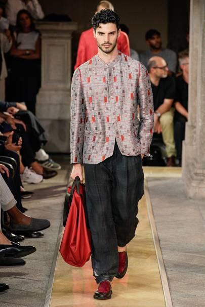 Giorgio Armani Spring/Summer 2019 Menswear show report | British Vogue