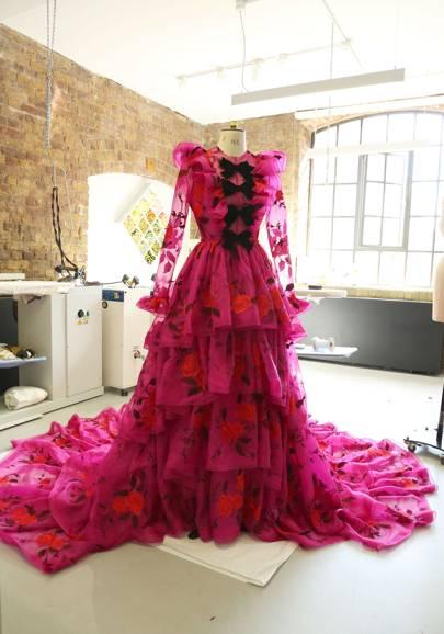 Rachel Brosnahan's Erdem Met Gala Gown Is An Acidic Tribute To Cross-Dressing And Italian Aristocracy