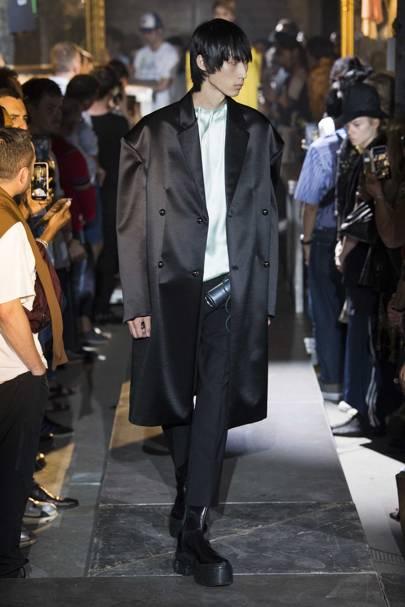 f4c5811397f54 Raf Simons Spring Summer 2019 Menswear show report