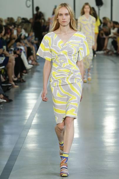 Модные платья лето 2017 новинки от бренда
