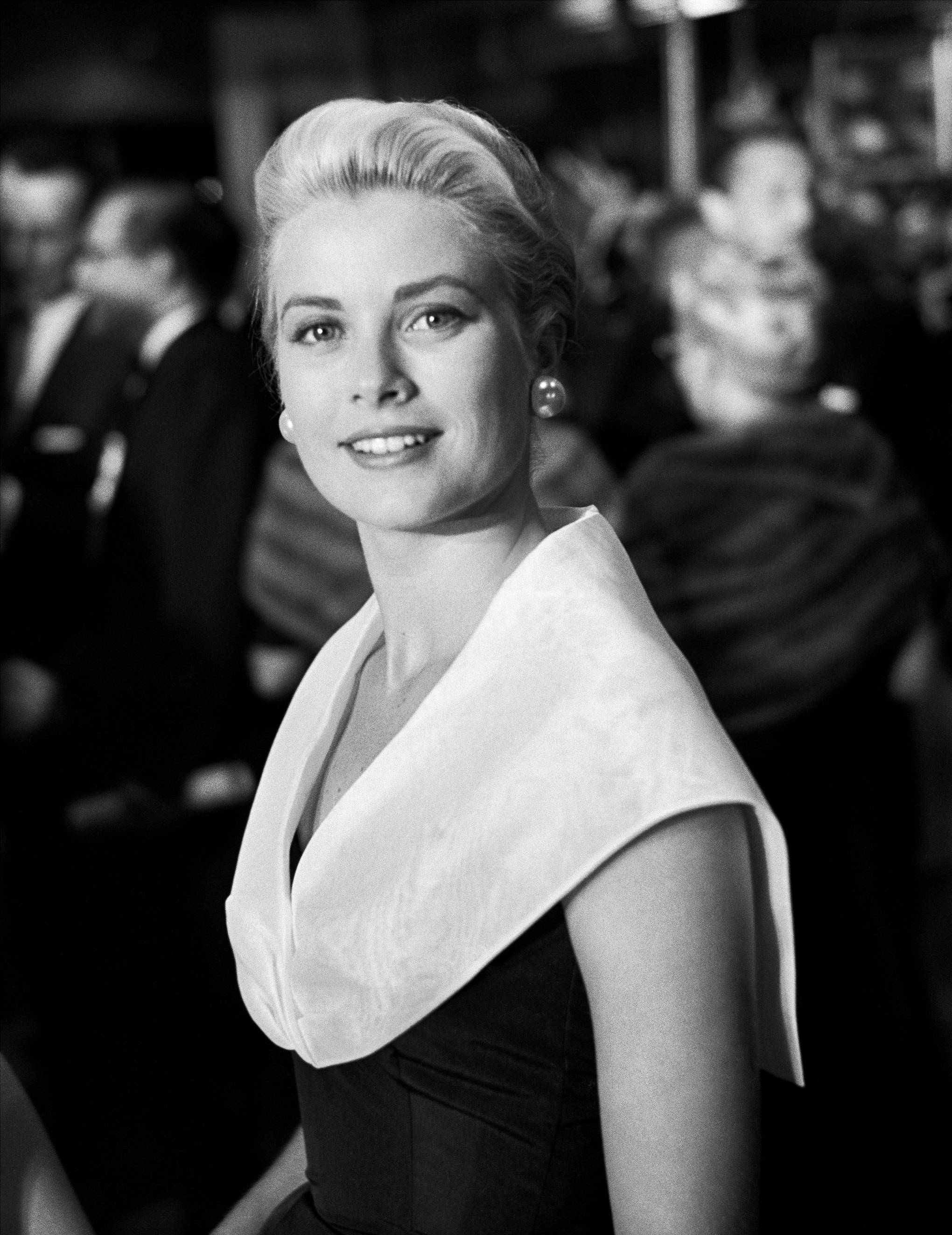 f662399eea3 Grace Kelly s Wardrobe To Go On Display At Christian Dior Museum ...