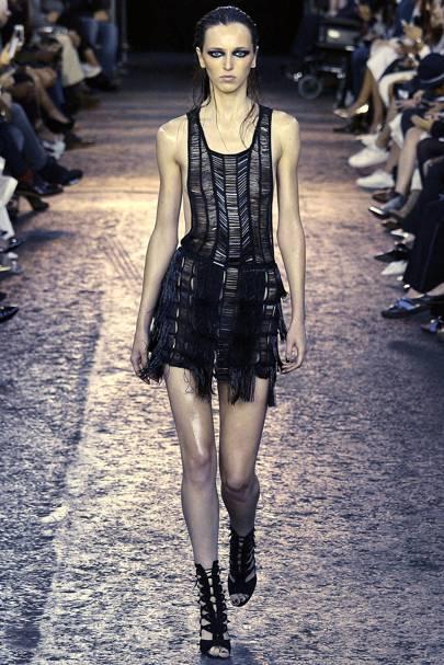 3eef6d6d0 Julien Macdonald Spring Summer 2016 Ready-To-Wear show report ...