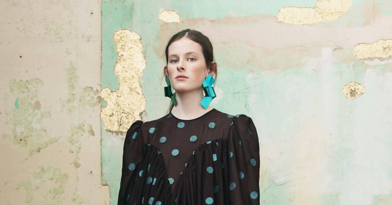 Mulberry Autumn Winter 2018 Ready To Wear Show Report British Vogue Elaine Navy Top Leux Studio S