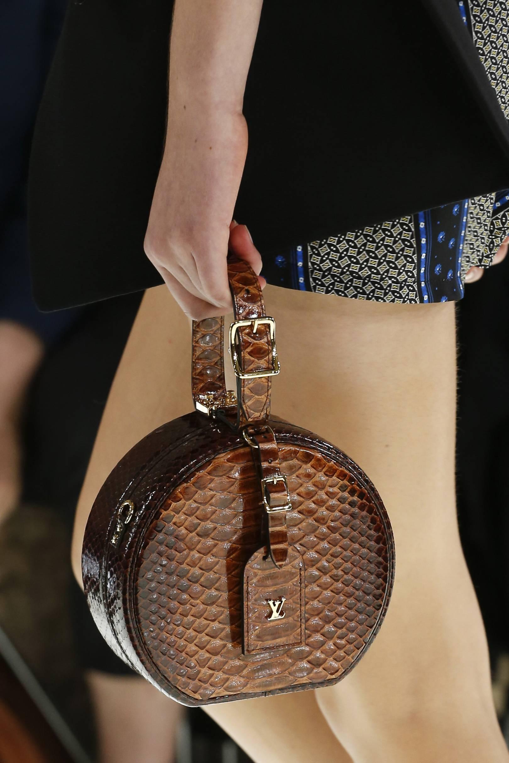 to wear - Handbags summer on the high street video