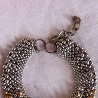 A decorative collar