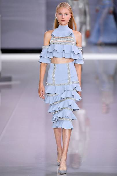 Stefanel spring summer 2018 dresses with sleeves