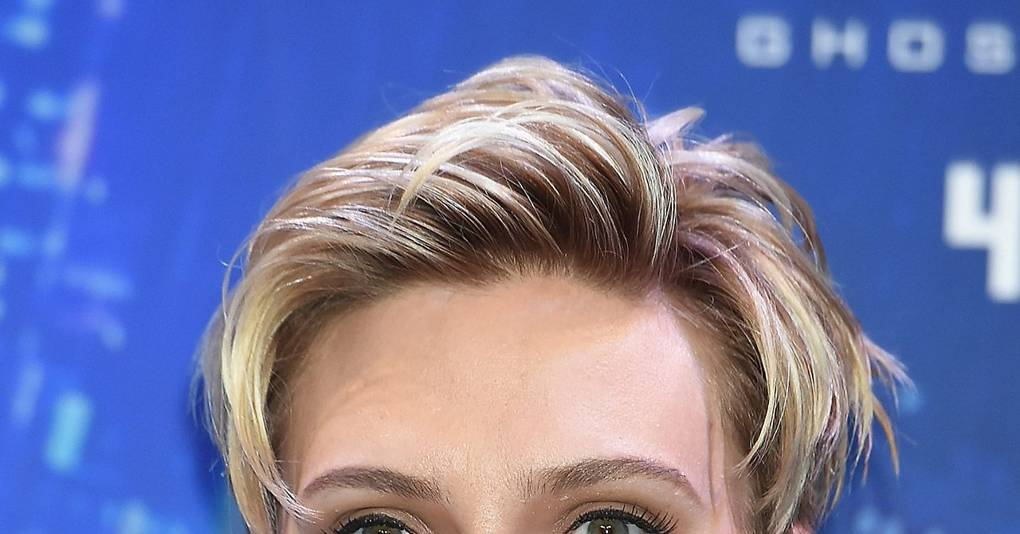 Scarlett Johansson Pho...
